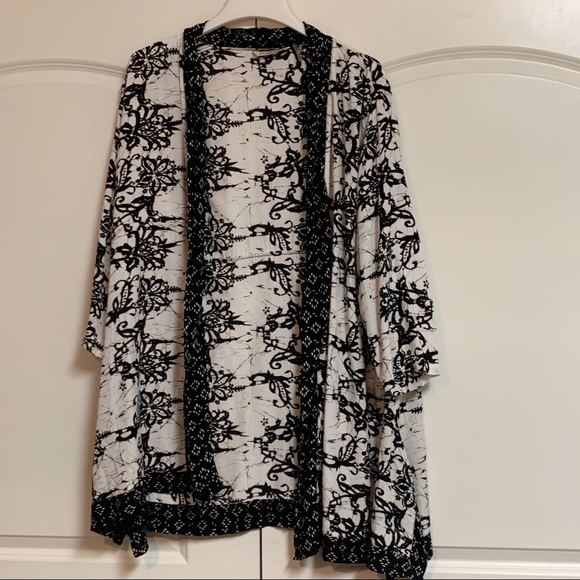Soft Surroundings Jackets & Blazers - Soft Surroundings White Black Kimono Topper XL